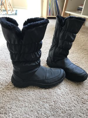 Womens Size 7 Snow Boots for Sale in Littleton, CO
