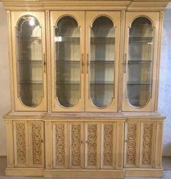 Vintage China Cabinet 🔥🔥🔥 for Sale in Detroit,  MI