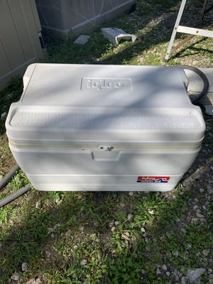 Igloo marine heavy duty cooler for Sale in Fort Lauderdale, FL