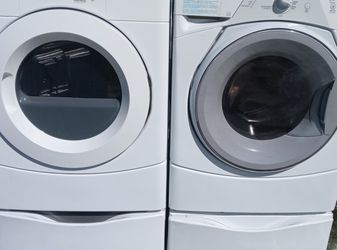 Whirlpool Washer And Electric Whirlpool Dryer for Sale in Chandler,  AZ