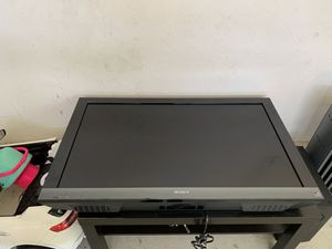 Sony TV, 40 inch +Free table for Sale in Norwood, MA
