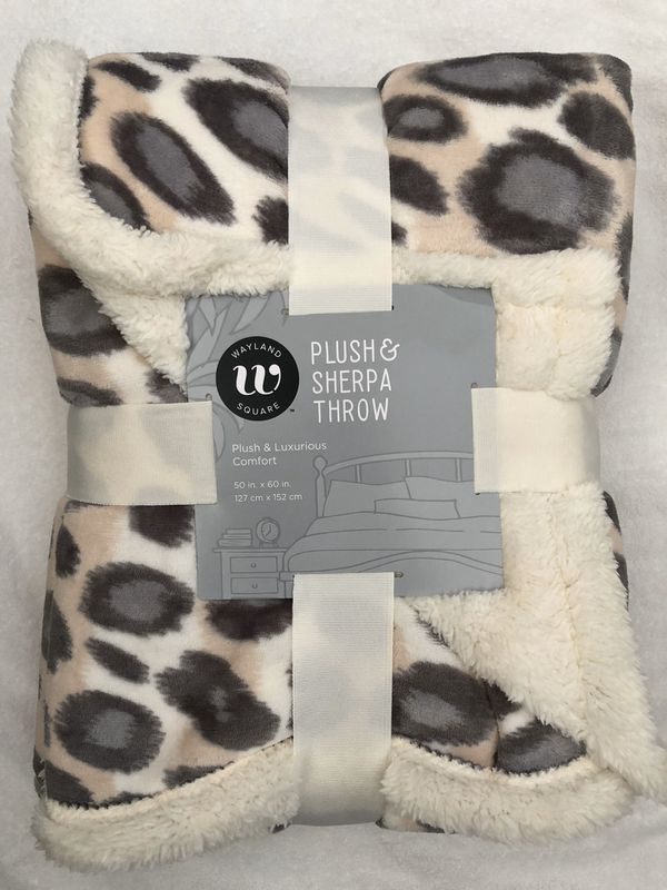"""New Wayland Square Plush & Sherpa Throw Blanket 50""""X60"""" (pick up only)"""