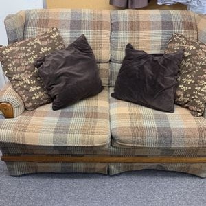 Brown/beige Plaid Couch for Sale in Portland, OR
