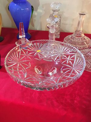 Crystal (large) low set bowl for Sale in Stevenson Ranch, CA