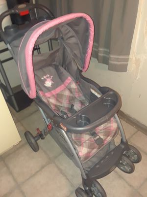 Baby Trend stroller, for a girl, pretty pink & gray colors. GREAT CONDITION! for Sale in Cleveland, OH