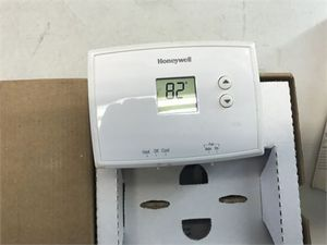 Honeywell 5-1-1 RTH2410B1019 Day Programmable Thermostat with Backlight MSRP: $77.97 for Sale in Smyrna, TN
