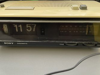 Vintage Sony Digimatic TFM-C650W Clock Radio Works Excellent for Sale in San Fernando,  CA