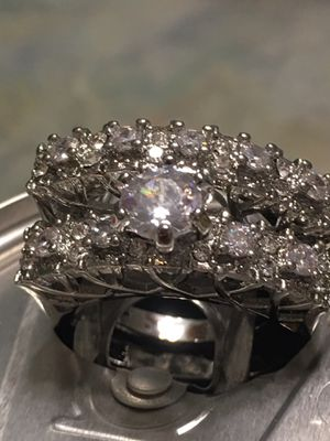 Beautiful Luxury 14 KT Inlaid Wedding Ring Set size 9 for Sale in Nashville, TN
