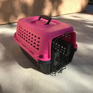 Dog/Cat Portable Carrier for Sale in San Bernardino, CA