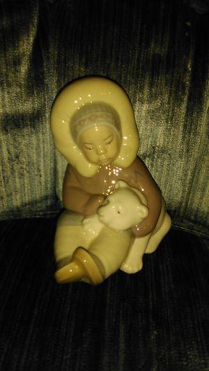 Lladro Little Eskimo Collectable Figurine for Sale in Baldwin, NY