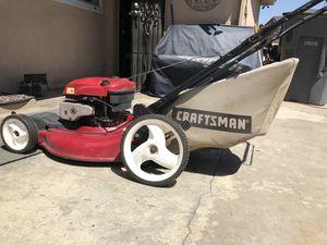 Craftan lawn mower Briggs & Stratton for Sale in Fresno, CA