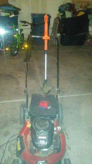 Craftman weed wacker and lawn mower for Sale in Las Vegas, NV