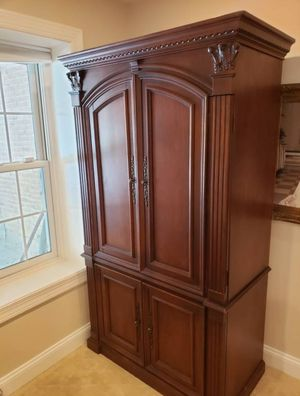 Cabinet great condition Retail $2000 for Sale in Fairfax, VA