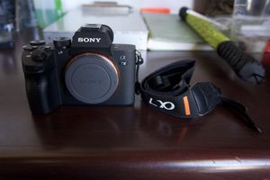 Sony A7iii (Body Only) for Sale in Camp Pendleton North, CA