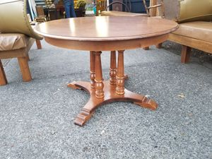 Round Country Style Kitchen Table with 2 leaves. Formica top 47w x 30h Leaves are 11.5 x 47 70 long with both leaves in for Sale in Portland, OR
