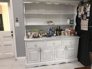 Buffet cabinet for Sale in WILOUGHBY HLS, OH