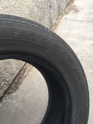2 tires Good year and Dunlop for Sale in Santa Maria, CA