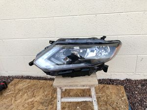 2014 - 2016 Nissan Rogue OEM headlamp, driver side, front headlight, front light, front bumper, car parts, auto parts for Sale in Glendale, AZ