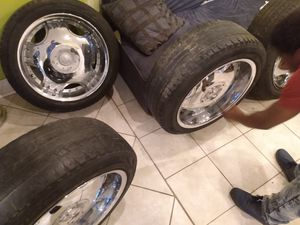20s 5 lugs universal for Sale in Bay Saint Louis, MS