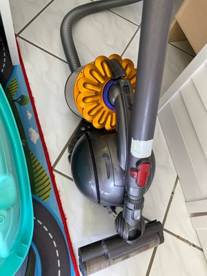 Dyson DC 39 Vacuum for Sale in Hollywood, FL