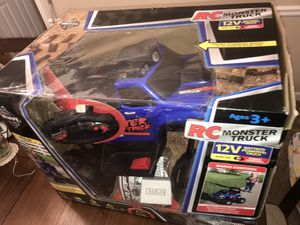Toys car for kids with controller for Sale in Buford, GA