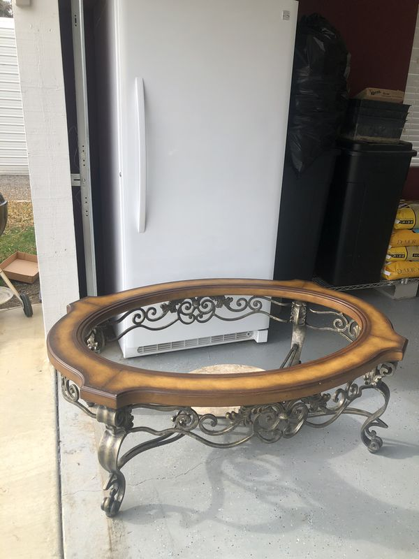 Beautiful Wood Coffee Table w/ Metal Base