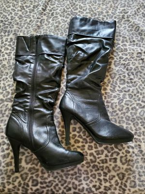 Knee high boots size 8 for Sale in Stockton, CA