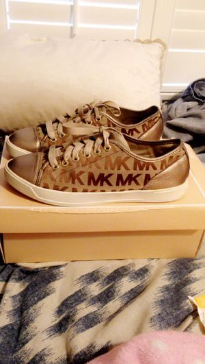 Womens michael kors shoes for Sale in Norwalk, CA