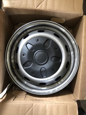 Wheels off my 2017 Ford F-350 for Sale in Orlando, FL