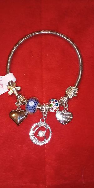 Beautiful heart bracelet $10 for Sale in Norfolk, VA