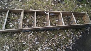 8ft WOODEN LADDER for Sale in Cleveland, OH
