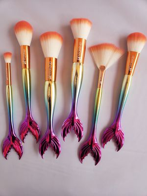 beautiful makeup brush set 6 pcs for Sale in Los Angeles, CA