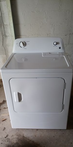 Kenmore 100 Series Electric Dryer*LIKE NEW* for Sale in Rock Island, IL