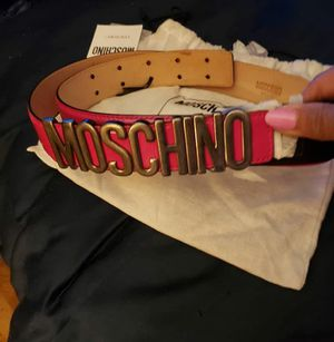 Moschino belt for Sale in Hillcrest Heights, MD