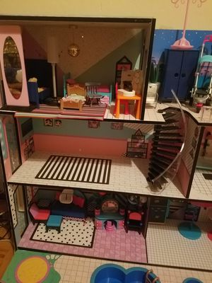 Lol doll house EUC 85.00 OBO for Sale in Fairfield, CA