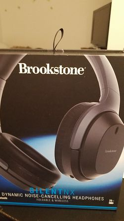 Brook stone noise cancelling headheadphones for Sale in Everett,  WA