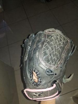 Black/Pink Mizuno Softball Glove 12 inch for Sale in Los Angeles, CA