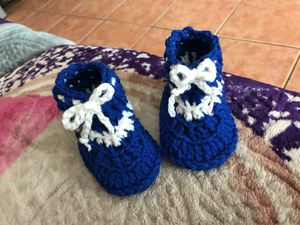Beautiful shoes size 0-4_5 months for Sale in Perris, CA