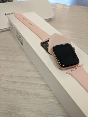 Apple Watch series 5 for Sale in Renton, WA