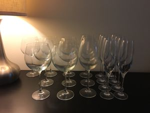 Assorted Wine Glasses; 7xRed, 3xWhite, 8xChampagne Flutes for Sale in Potomac, MD