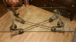 "Glass top coffee table 30""x60"" for Sale in Abilene, TX"