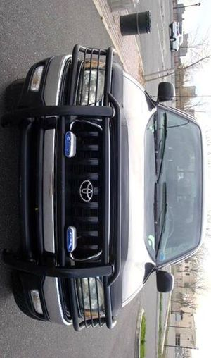 PRICE$14OO Clean 04 Toyota Tacoma for Sale in Miami, FL