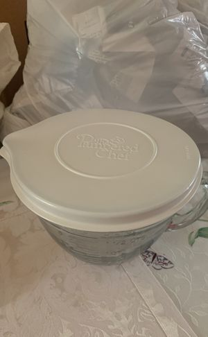 Glass Measuring Cup w/Lid for Sale in Fairfax, VA
