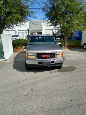 1999 2500 heavy duty GMC great tow vehicle for Sale in Port St. Lucie, FL