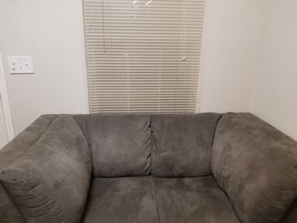 Coaster 2 peice couch and love seat for Sale in Columbus,  OH