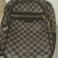 Louis Vuitton Men's BACK Pack And Gucci Wallet With Ray Ban Sunglasses... for Sale in Fort Lauderdale,  FL