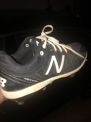 NEW BALANCE KINETIC STICH LIKE NEW for Sale in Bloomingdale, IL