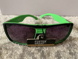 NWT Foster Grant men's sunglasses for Sale in Dittmer, MO