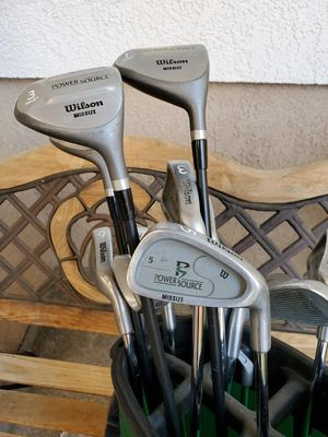 Wilson Midsize Power Source Golf set, RH for Sale in Santa Clarita, CA