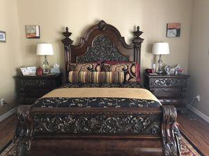 Pulaski Bedroom Suite - excellent condition for Sale in Houston, TX